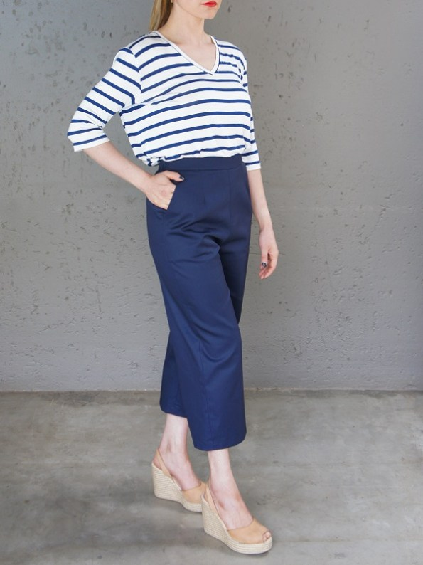 JMVB V-neck Striped T-shirt and Navy Culottes Side