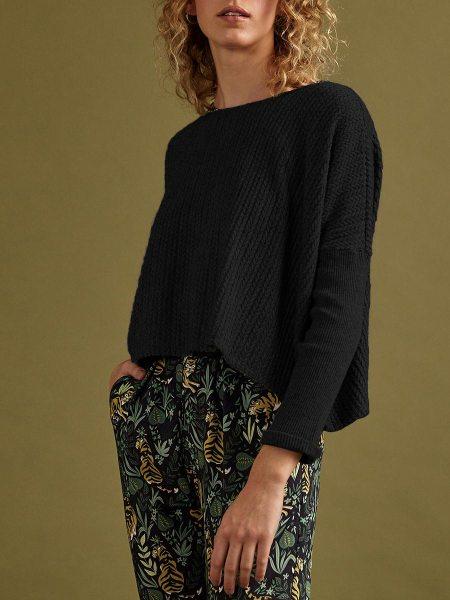 ladies black cropped knit top