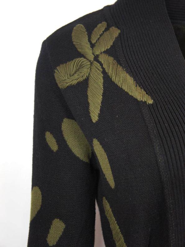 Romaria Flores Coat Shoulder Detail
