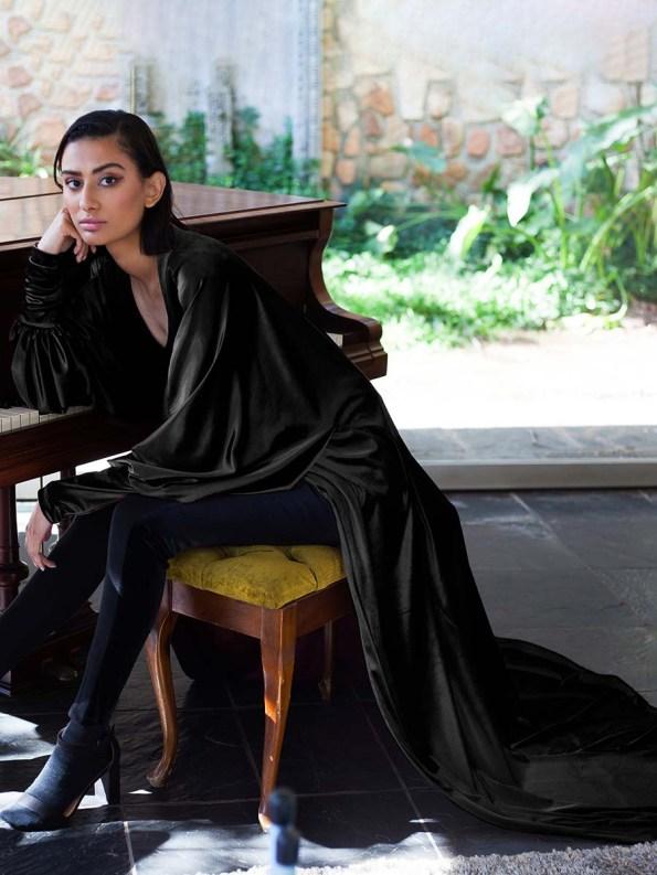 Erre Velvet Robe Black 1