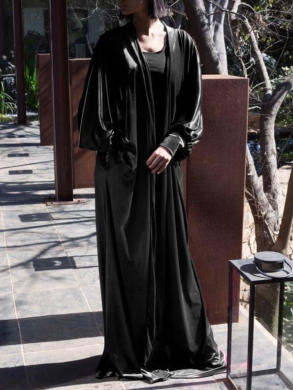 Erre Velvet Robe Black 2