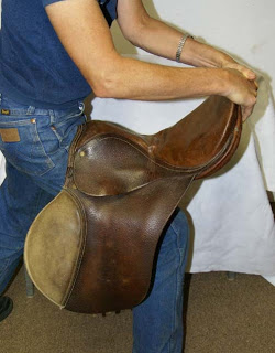 How to tell if your saddle has a broken tree