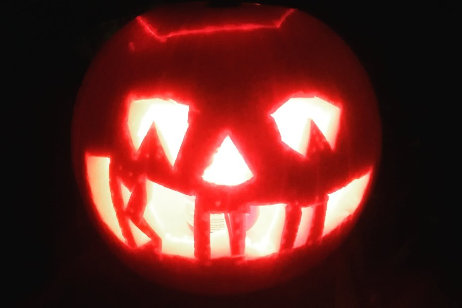 happy halloween! tell ghost stories around my spooky pumpkin