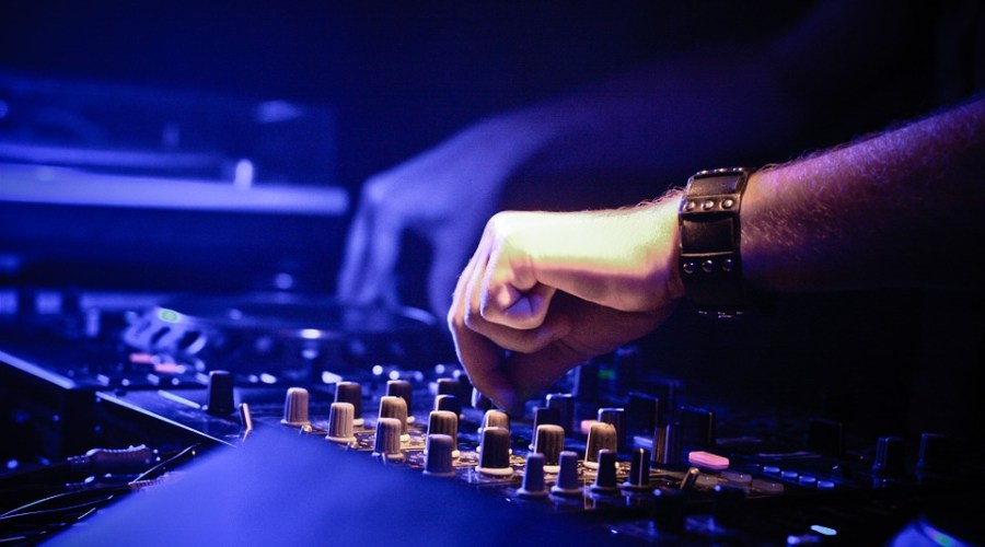 11 DJ Equipment Rental California Services