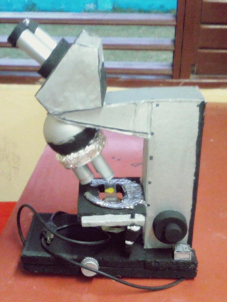 Microscopio  Equipos de laboratorio