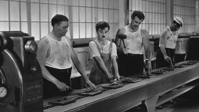 Ο Τσάρλι Τσάπλιν σκηνοθέτησε αλλά και έγραψε το σενάριο του φιλμ, ενώ πρωταγωνίστησε υποδυόμενος τον αλητάκο, ο οποίος εμφανίζεται για τελευταία φορά σε κινηματογραφική ταινία. Πολλοί συμφωνούν ότι οι Μοντέρνοι Καιροί αποτελούν μια από τις σπουδαιότερες ταινίες όλων των εποχών.