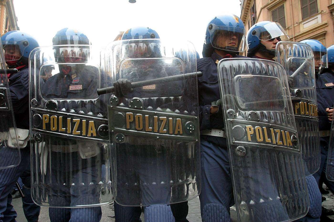 αστυνομικοί στην Ιταλία