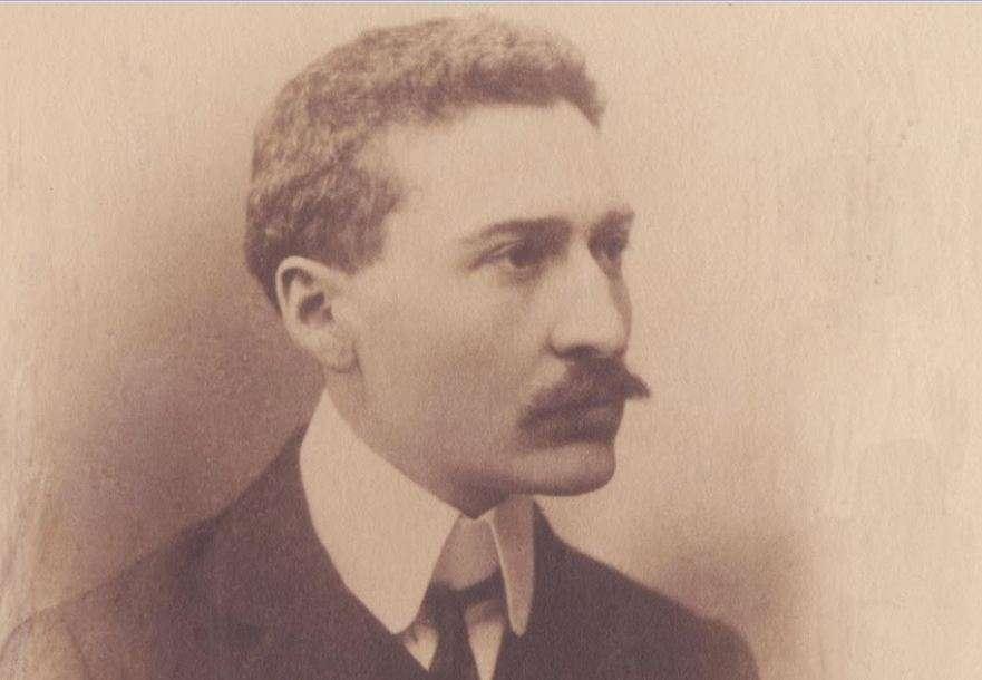 Ο Ίων (Ιωάννης) Δραγούμης (Αθήνα, 2 Σεπτεμβρίου (π.η.) ή 14 Σεπτεμβρίου (ν.η) 1878 - 31 Ιουλίου 1920) ήταν διπλωμάτης, πολιτικός και λογοτέχνης.