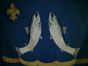 Lohjan Eräveikkojen lippu naulattiin käyttöön vuonna 1961. Naulaajana toimi Per Andersson