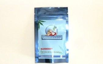 Bustina azzurra di cannabis light Blueberry di Canapando