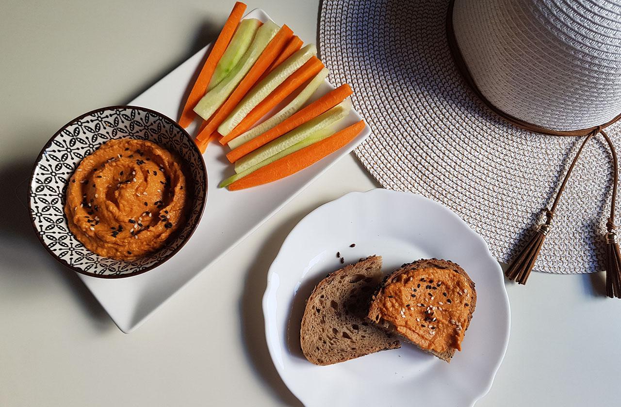 Hummus cu ardei kapia