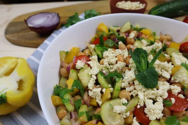 salata mediteraneana cu naut