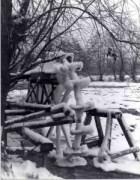 A fagy fogságába rekedt öreg vízimalom.