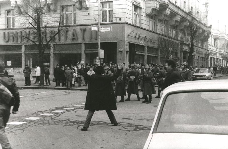 800px-PozeRevolutia1989clujByRazvanRotta06