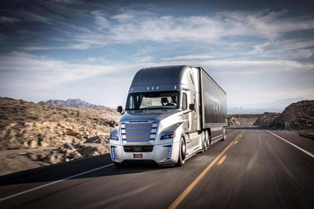 В Германии на автобане будут ездить беспилотные грузовики