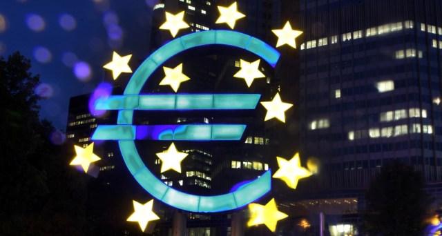 "Deutsche Bank предупредил, что еврозона и Германия ""близки к рецессии"""