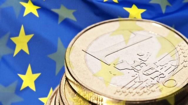 Еврокомиссия снизила прогноз роста польской экономики