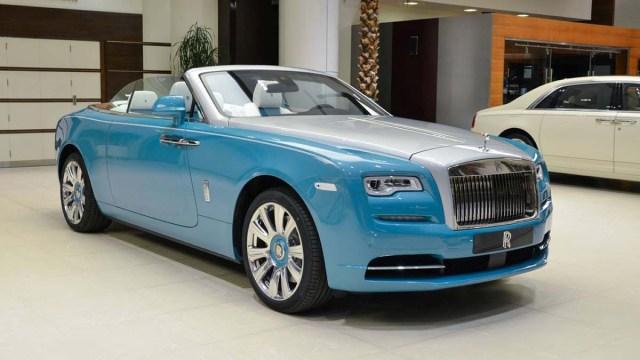В России расширен список роскошных авто