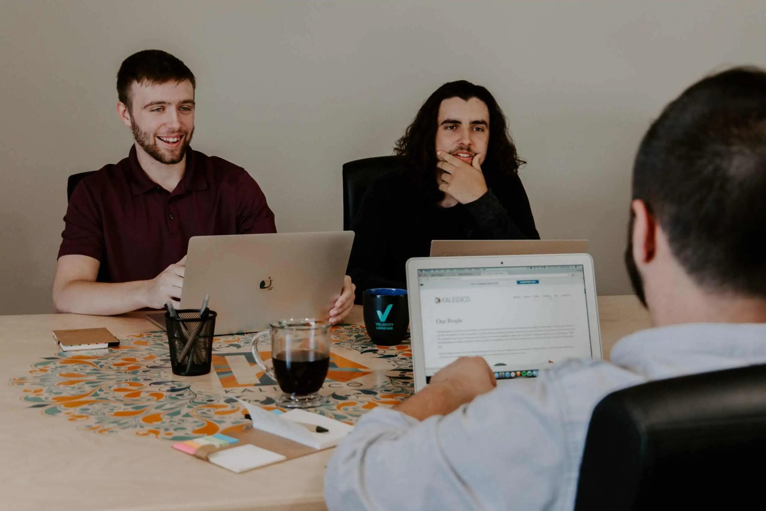 איך מנהלים ישיבת הנהלה בצורה אפקטיבית?