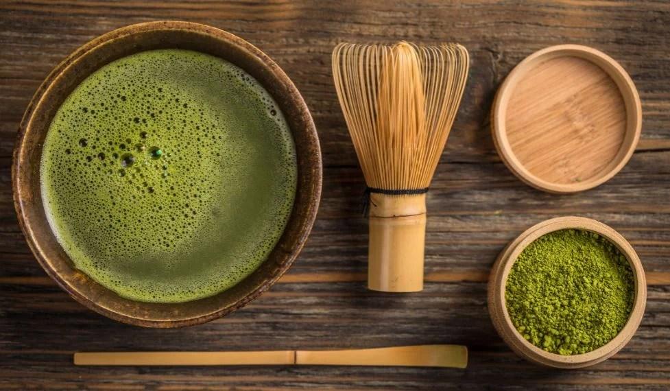 Beneficios de beber té verde matcha.