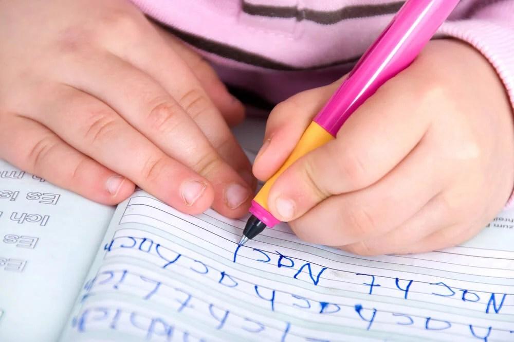 La reeducación gráfica, una solución para escribir mejor - Eres Mamá