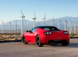 Bild eines Tesla Roadster mit Hardtop (Quelle: Tesla Motors Inc.)