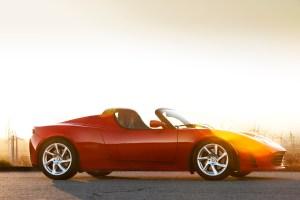 Bild eines Tesla Roadster von der rechten Seite (Quelle: Tesla Motors Inc.)