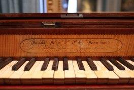 Piano-holl-naam-kl