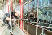 Herplaatsen glas in lood panelen Foto: Russcher Tekst & Beeld