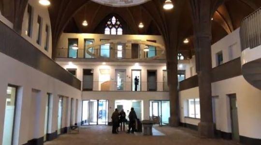 De tot gezondheidscentrum getransformeerde Theresiakerk in Borne