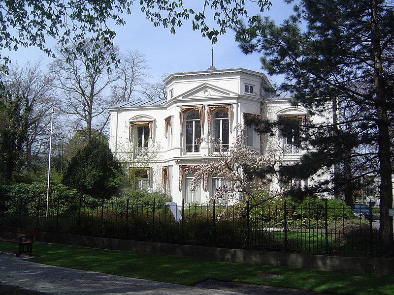 """""""Israëlische ambassade hoeft niet het einde te betekenen van Haags monument"""" (€)"""