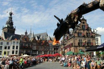 De Gelderse Draak in de Blijde Incomste Foto: Wim Piels via Stichting Gebroeders van Limburg