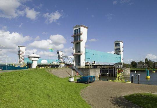 Stormvloedkering Hollandse IJssel bij Krimpen aan den IJssel