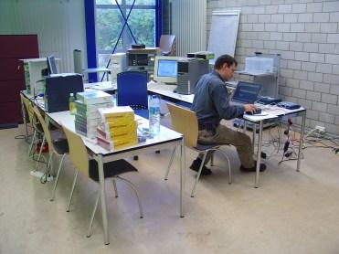 2004 bei der Vorkonfiguration eines Kundensystems