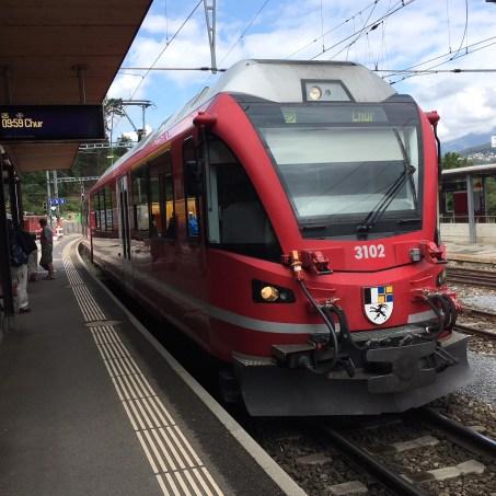 Los geht es mit dem Zug in Reichenau