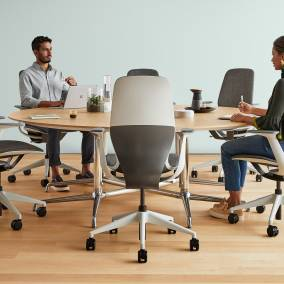 When the material used becomes the mechanism: SILQ the office  seat that redefines the design of the seats.!!!