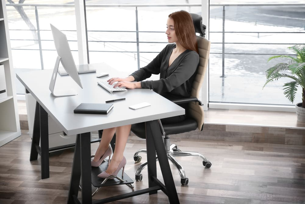 posture chair desk nursing target proper sitting at a computer according to experts