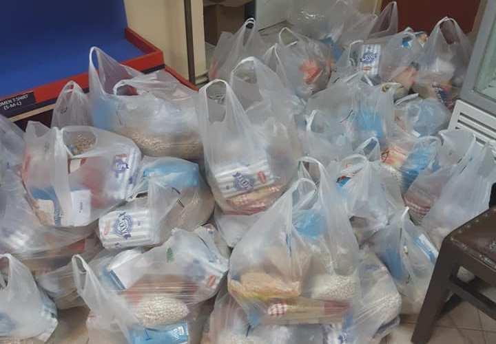 Ακόμη 300 οικογένειες έλαβαν τα αναγκαία τρόφιμα από την Μητρόπολη Ιερισσού