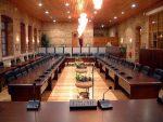 Έως και 38% μειώνονται οι Δημοτικοί Σύμβουλοι με το νόμο «Βορίδη»