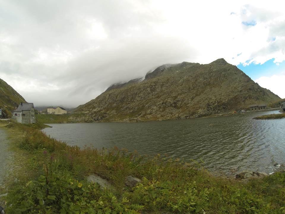 Le lac et l'hospice du Grand Saint Bernard