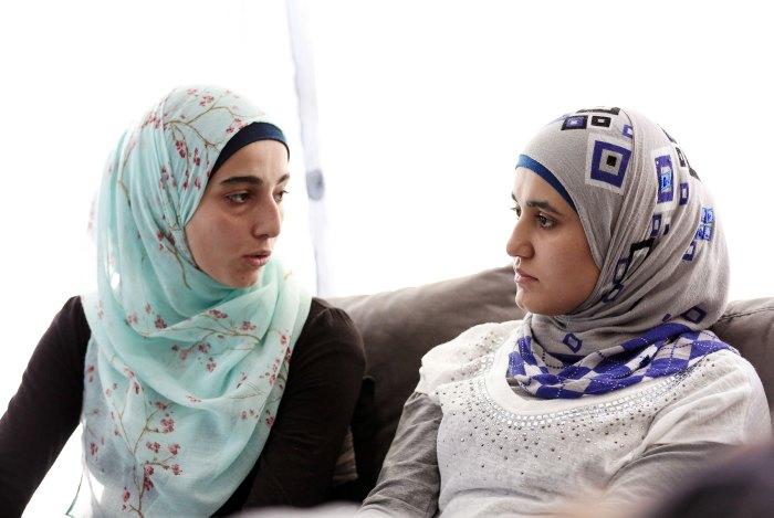 12 septembre. Malak et Rahaf, deux sœurs syriennes racontent aux lecteurs de la NR leur incroyable périple entre réfugiés déracinés et passeurs sans scrupule. @ Eric Pollet