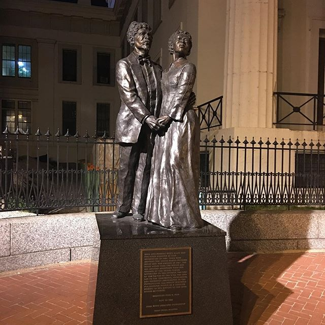 Dred and Harriet Scott memorial.