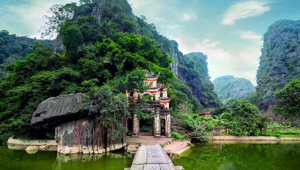 Ultimate Ninh Binh, VietNam Travel Guide for Couchsurfers
