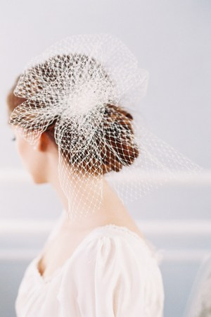 THE PERFECT FRENCH NET POUF VEIL
