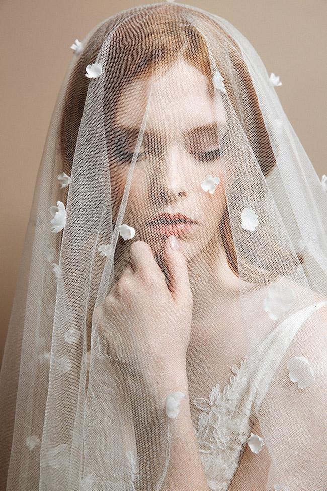 Many petals silk blossom veil