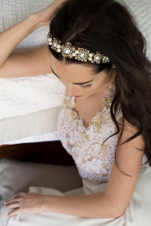 PEARLY BLOOM JEWELED WEDDING BANDEAU