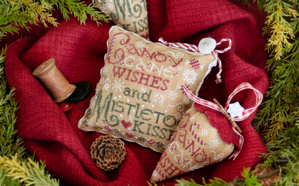 Mistletoe Kisses | Erica Michaels Needleart Designs