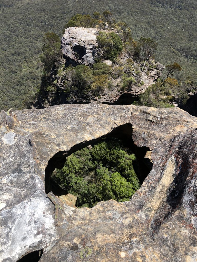 wellness blogger Erica Rascon hikes Anvil Rock in Blue Mountains, NSW