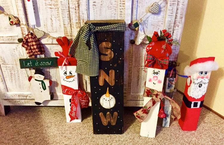 Wooden Christmas Craft Decor Family © 2018 ericarobbin.com