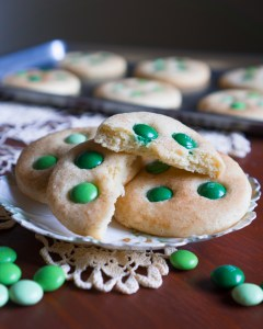 Mint Dark Chocolate M&M St. Patrick's Day Sugar Cookies © 2019 ericarobbin.com | All rights reserved.